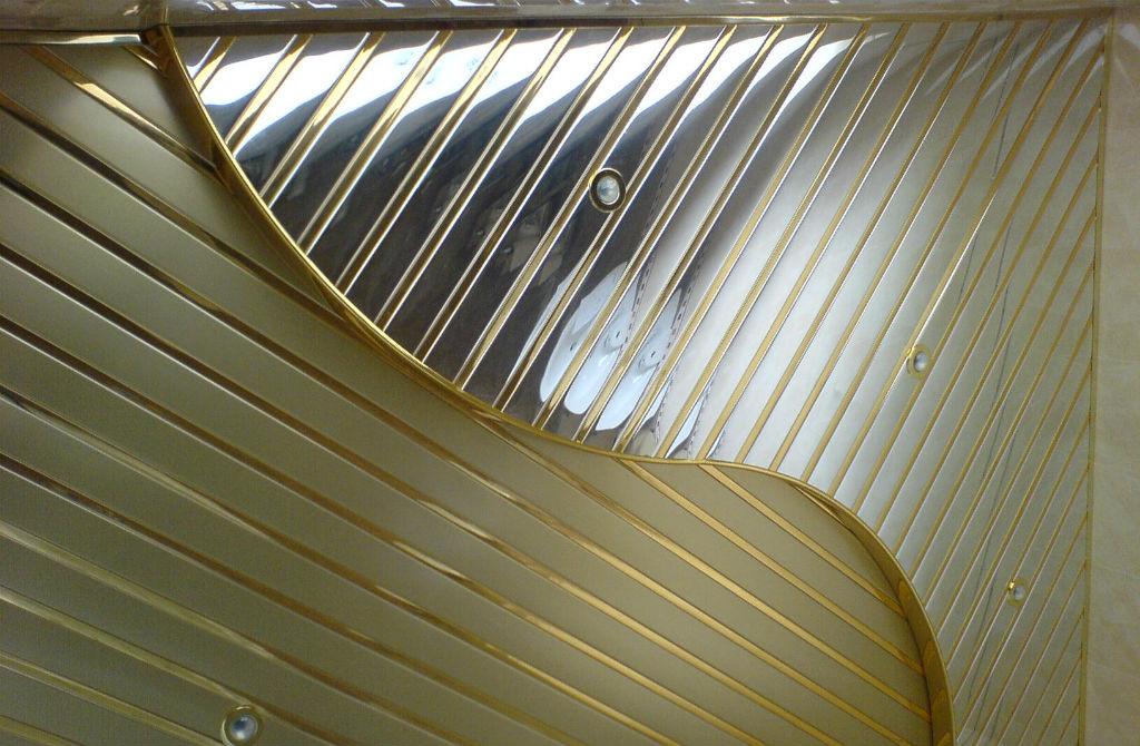 Ремонт потолка в гостиной: фото, своими руками