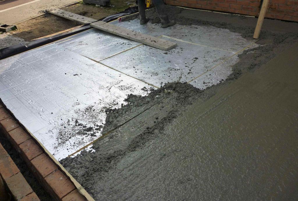 Залить бетонные полы своими руками