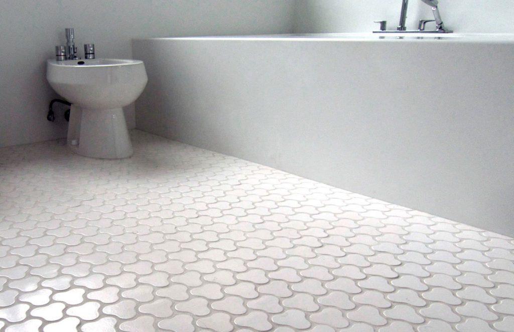 Replacing ceramic floor tile