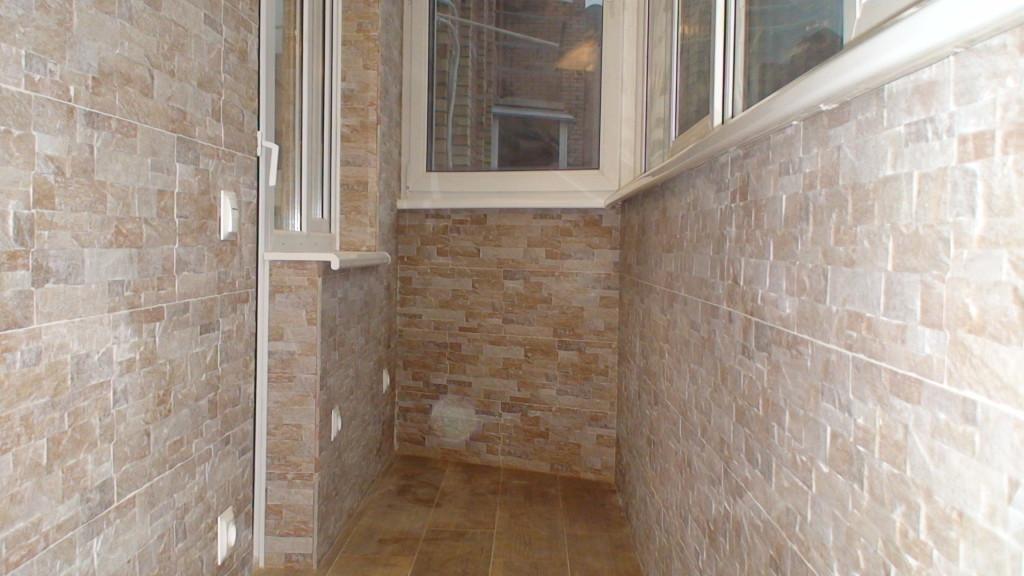 keramicheskaja-platka-na-balkon
