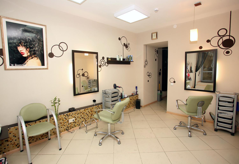 Интерьер парихмахерской. 70 фото дизайнов 11