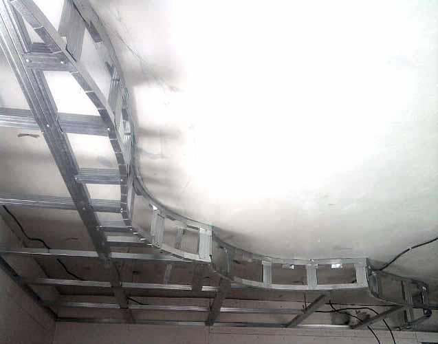 Квартирный-вопрос.-Секреты-дизайна-потолка.-Потолок-фото.-Дизайн-потолка-своими-руками-047