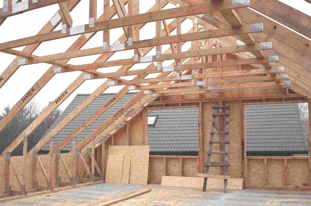 Мансардная-крыша-в-каркасной-бане-фото-строительства