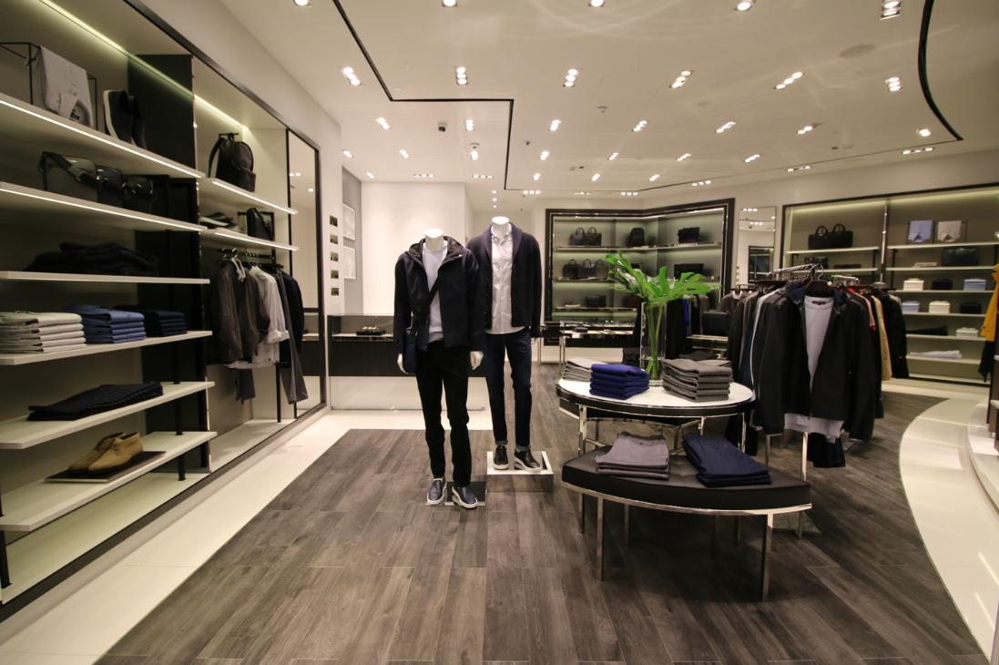 09a5d7a4b9d Дизайн мужского магазина одежды  фото