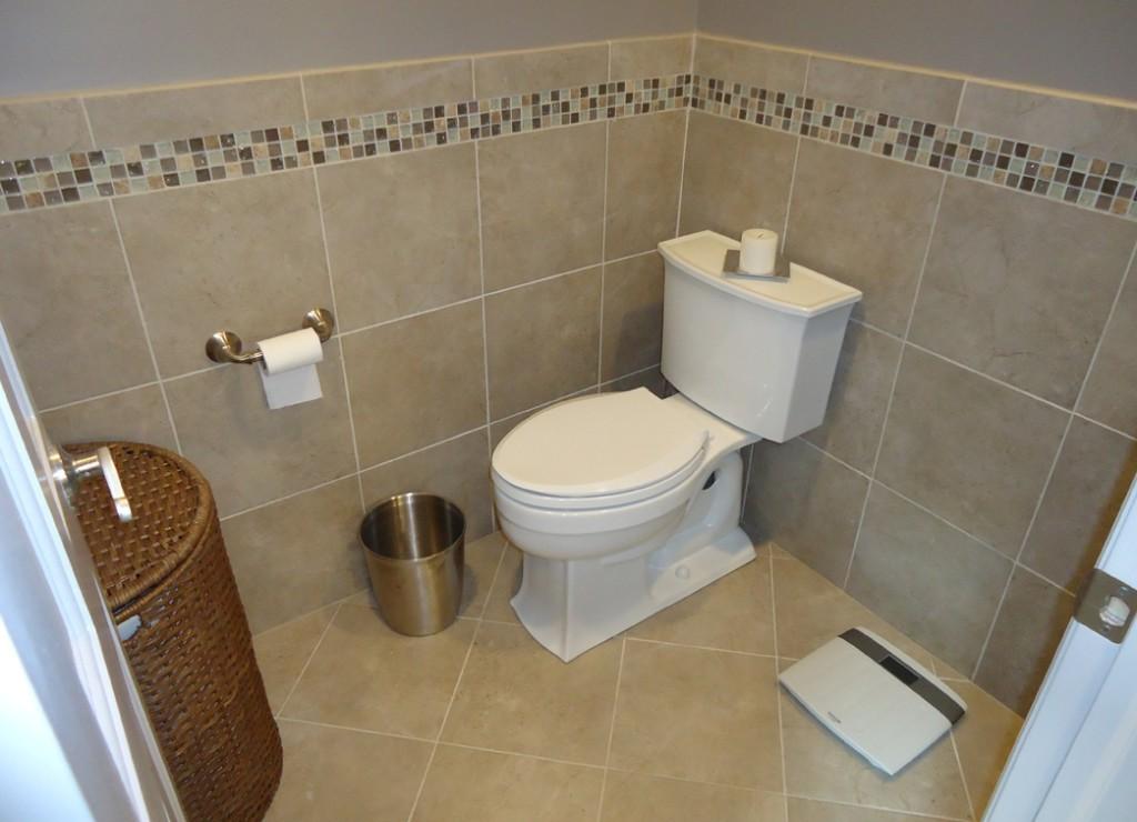 dizayn_plitki_v_malenkom_tualete2