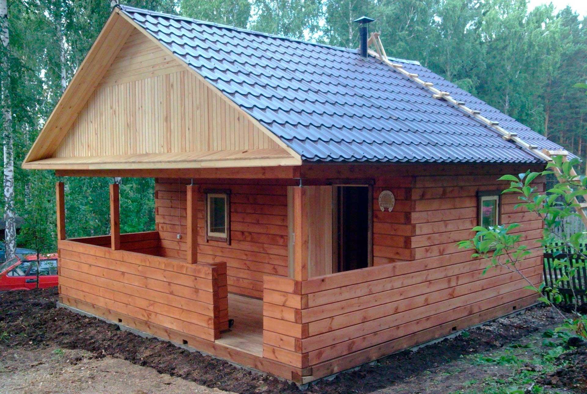 Из чего построить баню на даче недорого