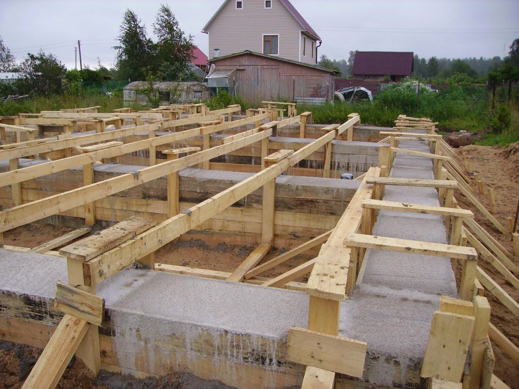 Как построить дом своими руками залить фундамент 64