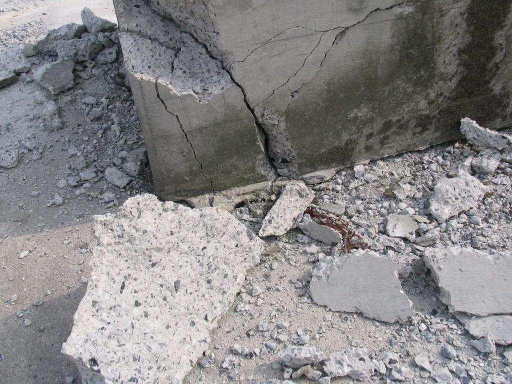 posle-zalivki-fundamenta-poyavilis-treshhiny9