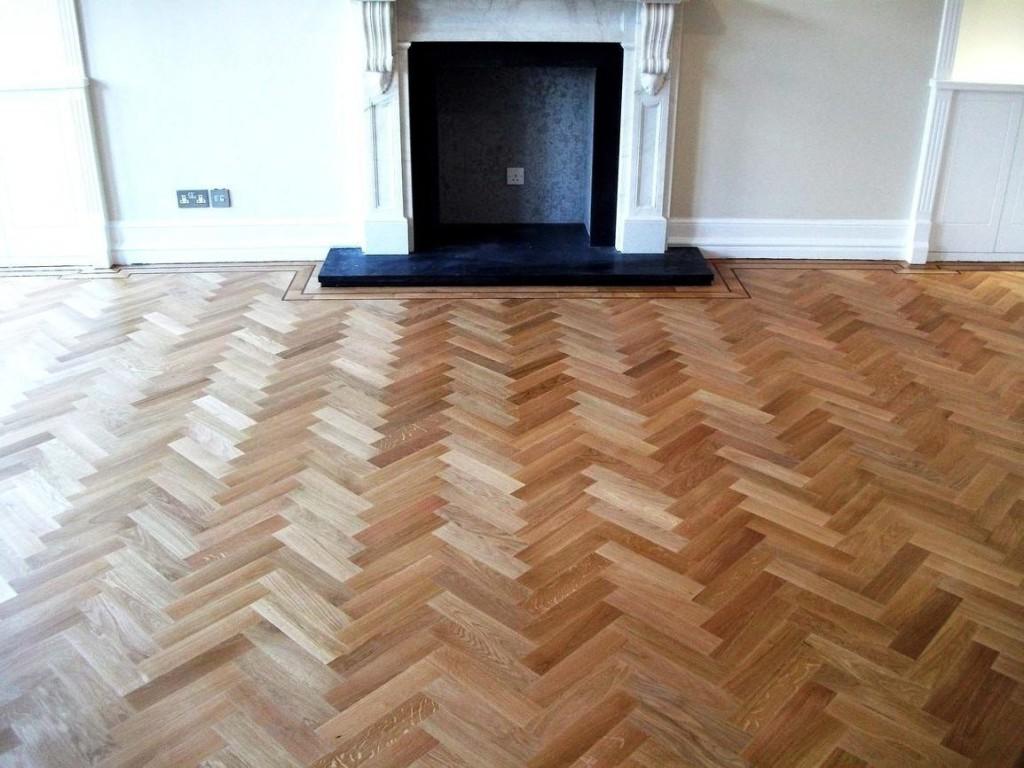 istoria-solid-parquet-oak-herringbone-wood-floor-with-double-wenge-1