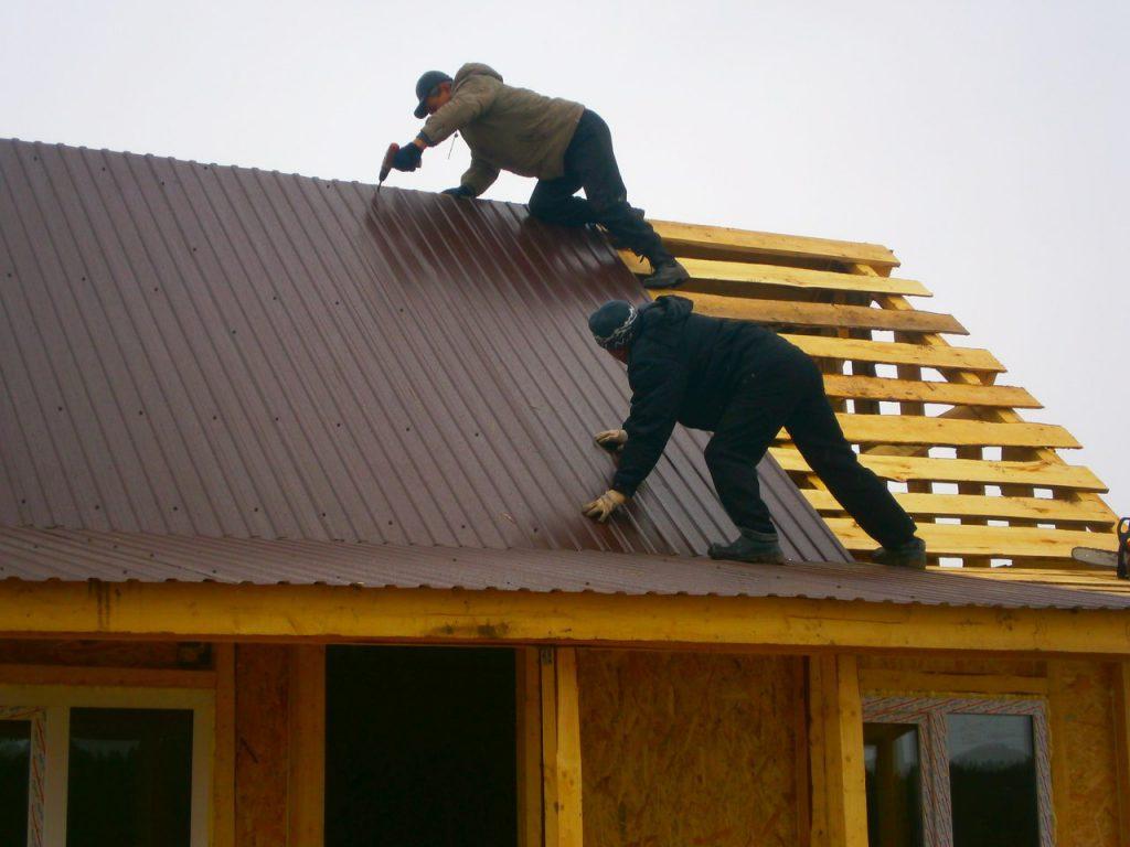 Как сделать дешевую крышу на дом 375