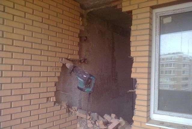 Демонтаж-кирпичных-стен