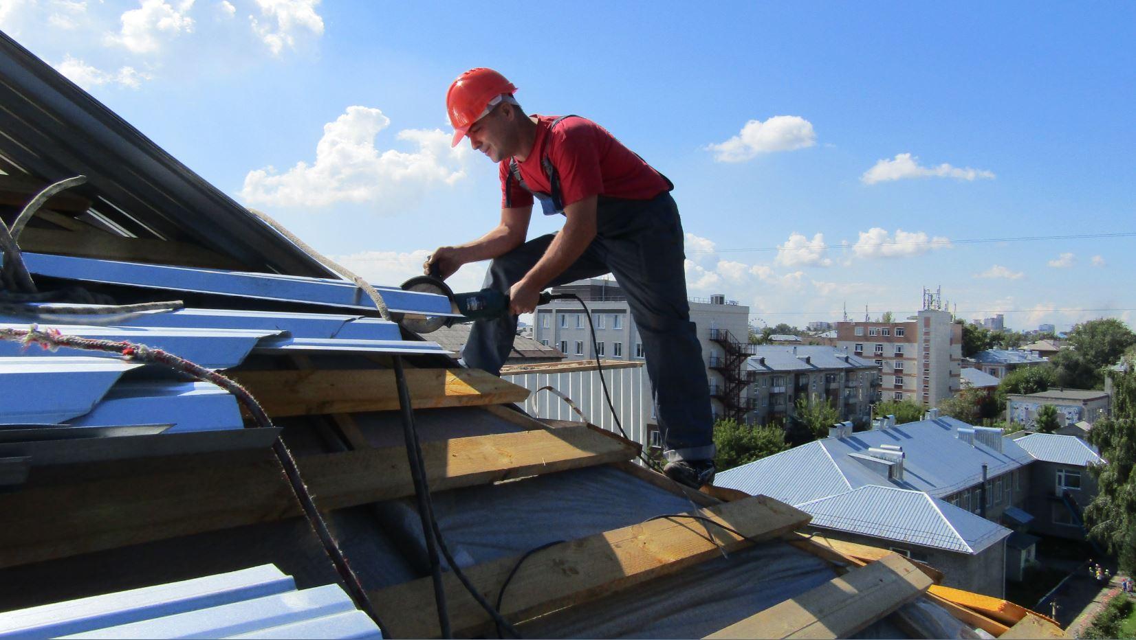 Как правильно покрасить крышу дома своими руками: красим 80
