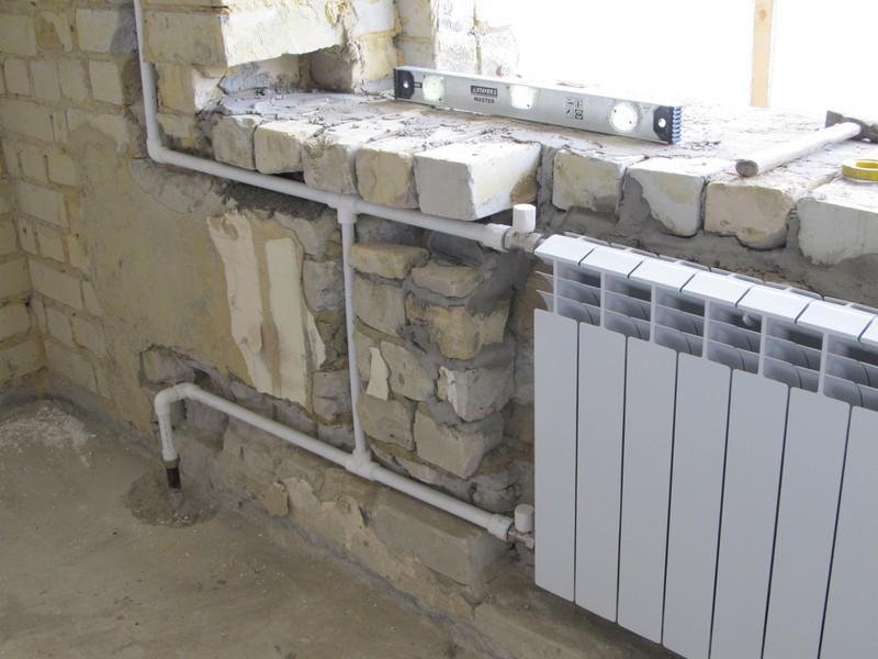 radiator-vmontirovannyy-v-nishu