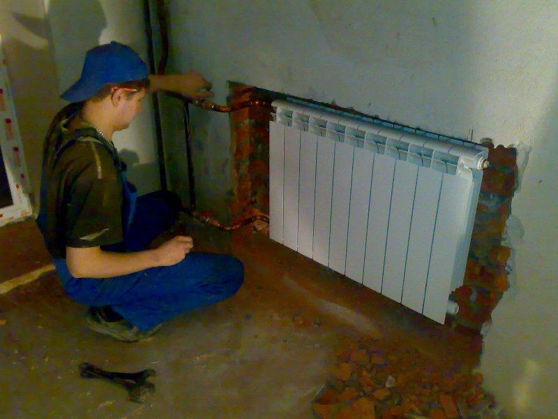 ustanovka_radiatora_otoplenia_1