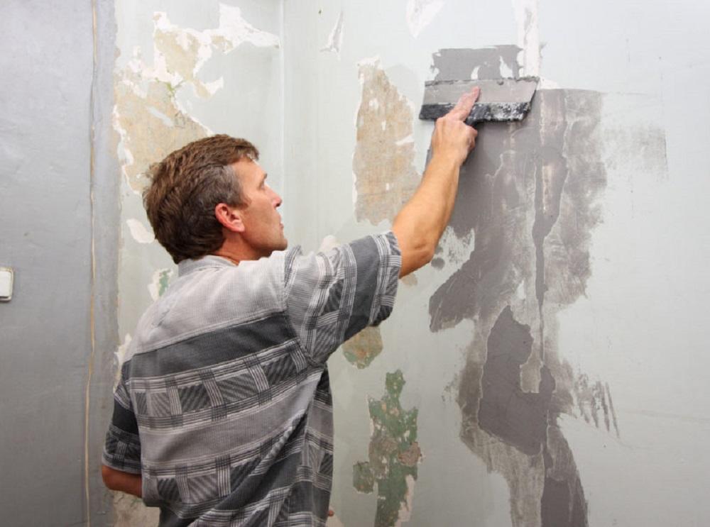 6.73-Zachistka-betonnoj-steny-pod-pokrasku-825x613