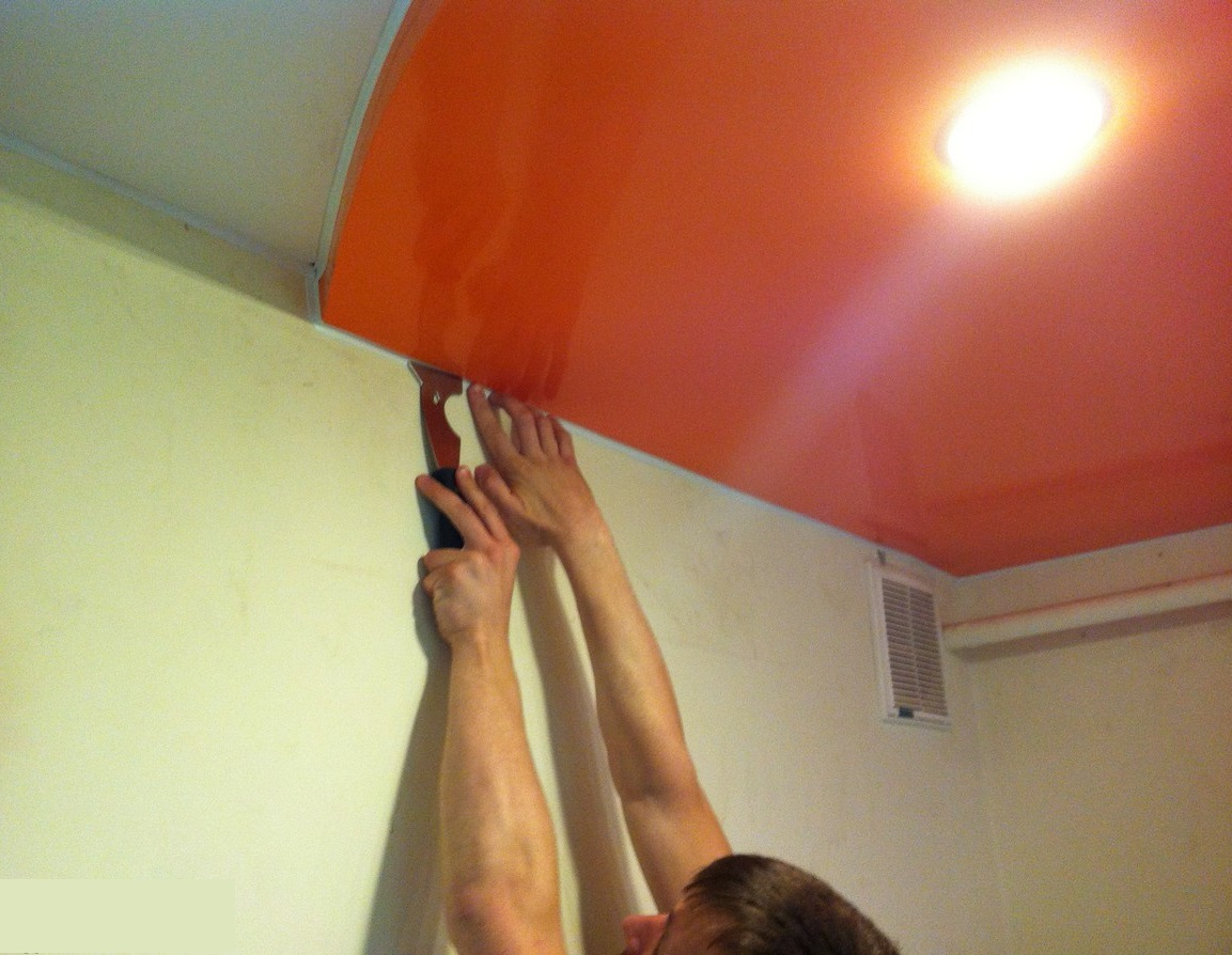 Ремонт натяжных потолков после пореза своими руками (20 фото) 63