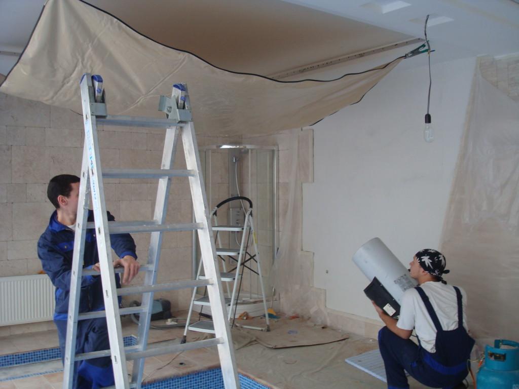 Разогрев-полотна-для-натяжного-потолка
