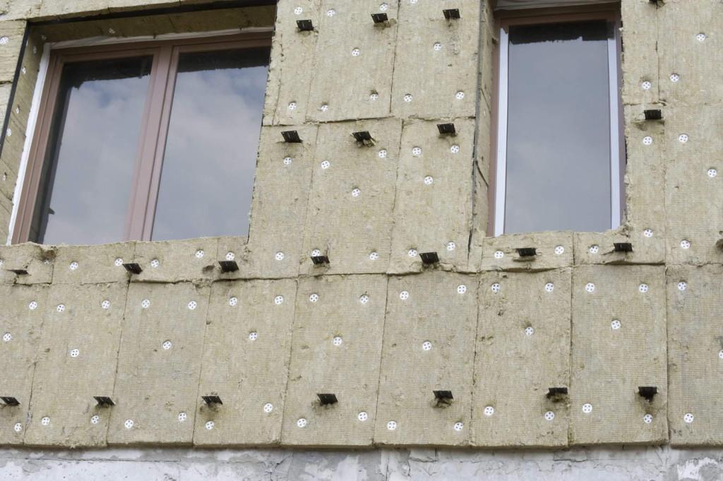 uteplennyy-fasad-gotovyy-k-montazhu-napravlyayusch