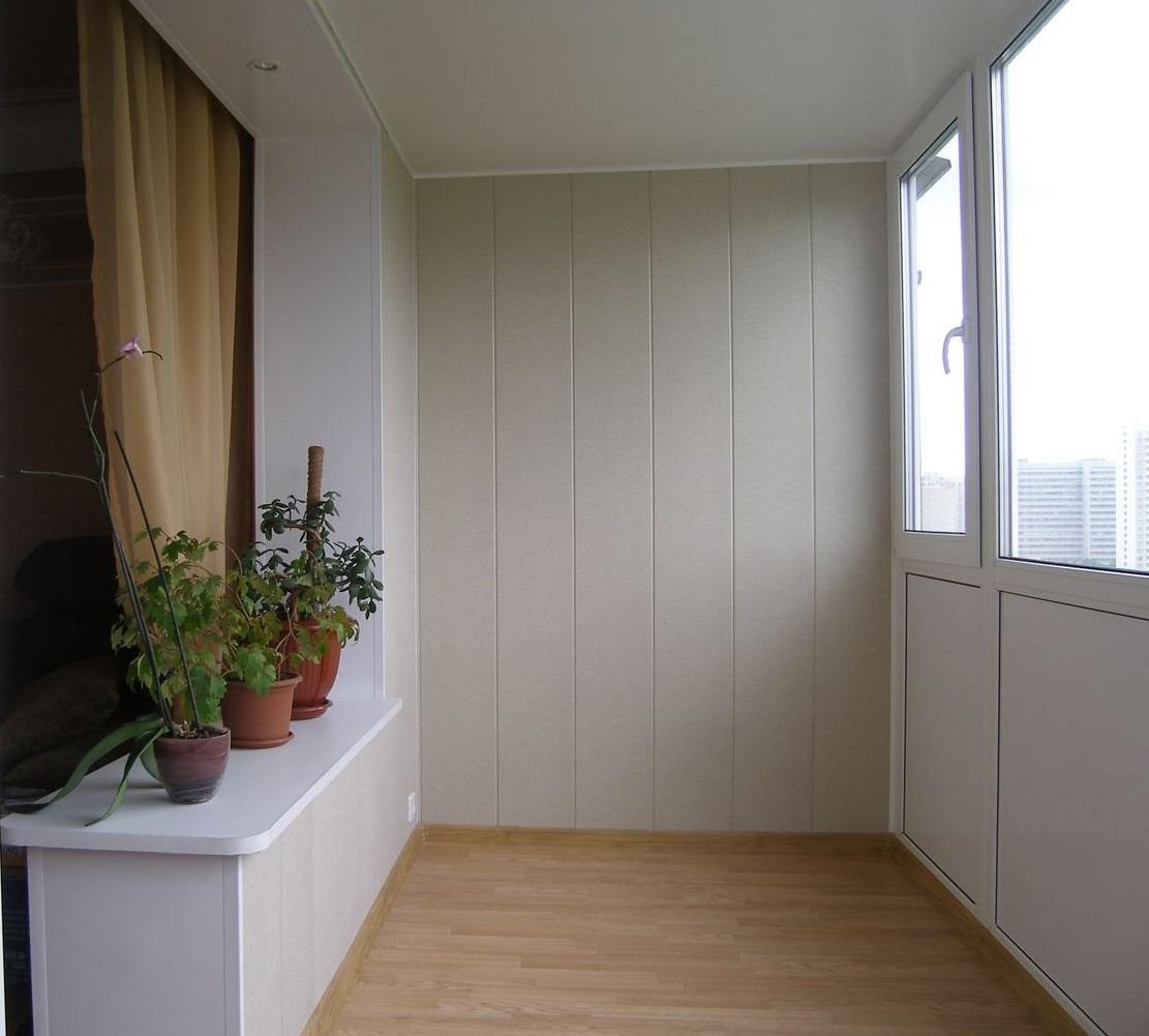 1428133387_otdelka-balkona-pvkh-paneliami